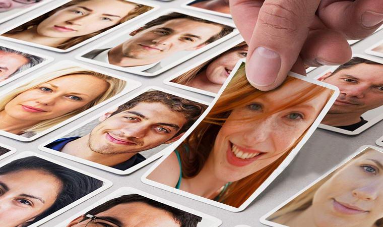 foto di molte persone, potrebbero essere nuovi clienti