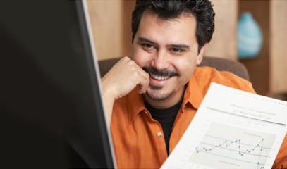 Gestore di un sito felice per l'andamento dei risultati