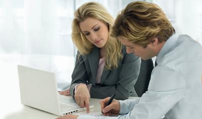 Incontro tra sviluppatrice e cliente, per la realizzazione di un sito internet